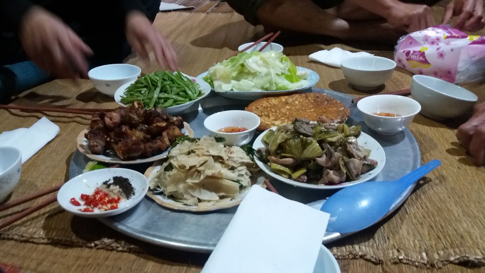 Meals at Buoc village's homestay